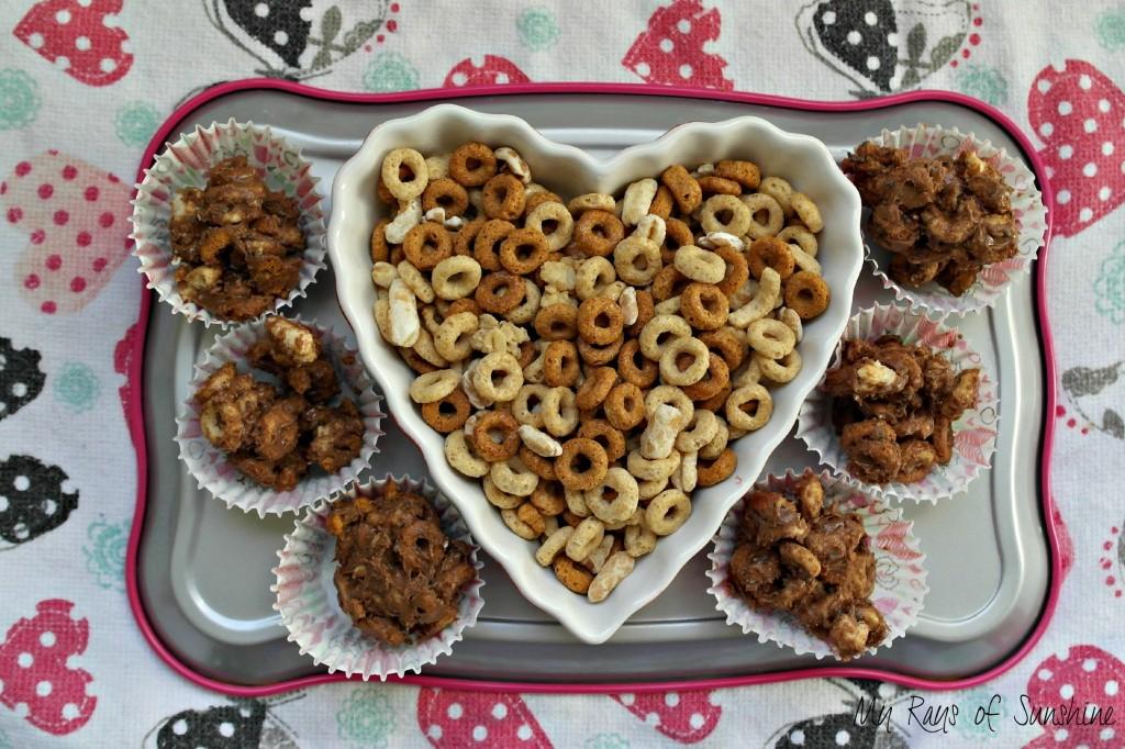 No Bake Cheerios + Ancient Grains 3 Ingredient Bites